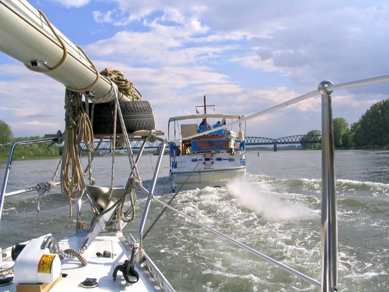 Im Schlepp auf dem Rhein