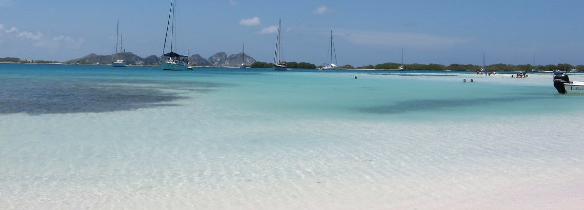 10-06-los-roques-feature