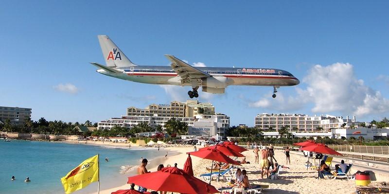 Am Maho Beach, St. Maarten, Niederländische Antillen