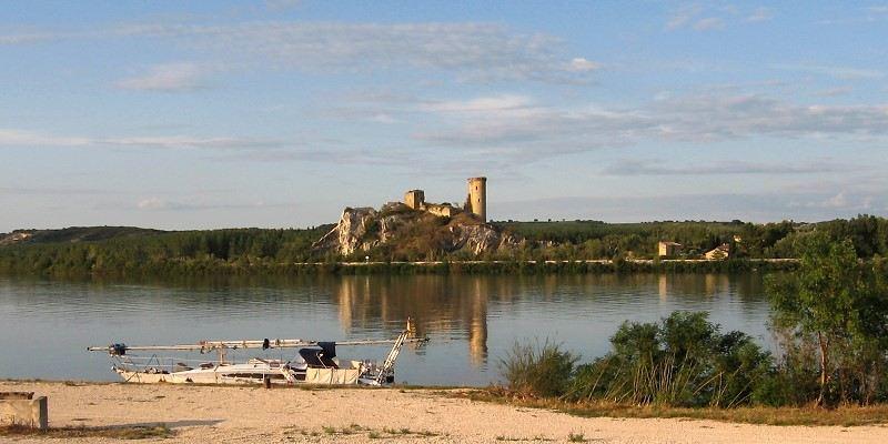 002-Flussfahrt-Chateau